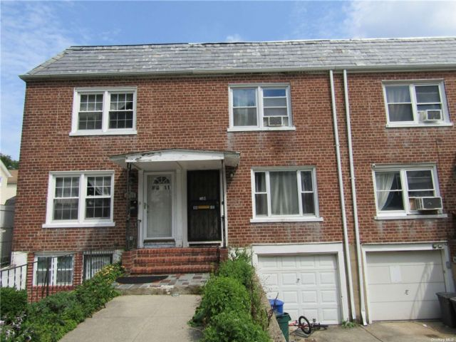 2 BR,  1.00 BTH Townhouse style home in Floral Park
