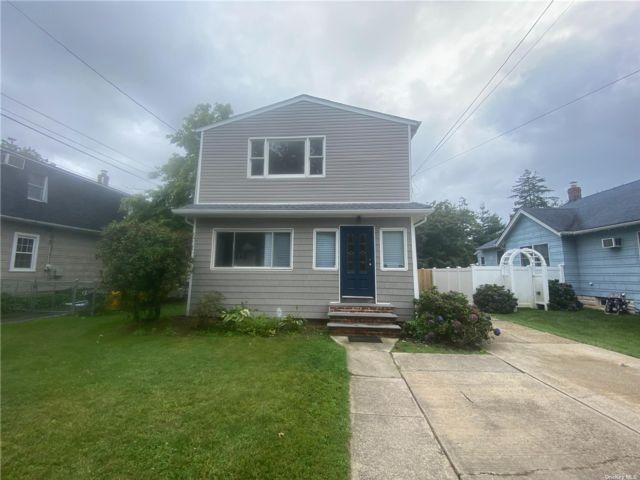 [Farmingdale Real Estate, listing number 3195555]