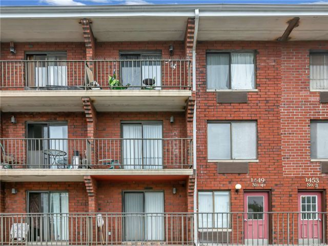 2 BR,  2.00 BTH Mid rise style home in Canarsie