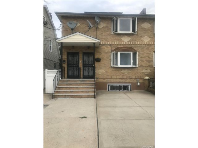 3 BR,  1.00 BTH Multi family style home in St. Albans