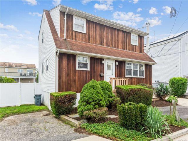[Bellmore Real Estate, listing number 3195819]