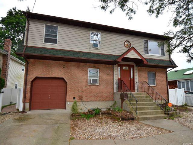 [Merrick Real Estate, listing number 3195859]