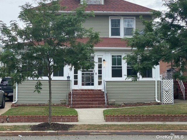 3 BR,  2.00 BTH 2 story style home in Rockaway Park
