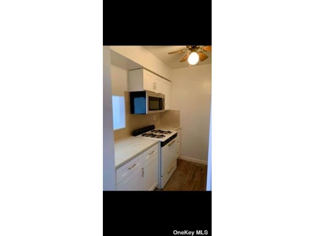 4 BR,  2.00 BTH Colonial style home in Bushwick