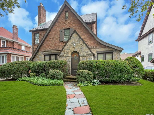 5 BR,  3.00 BTH Tudor style home in Flushing