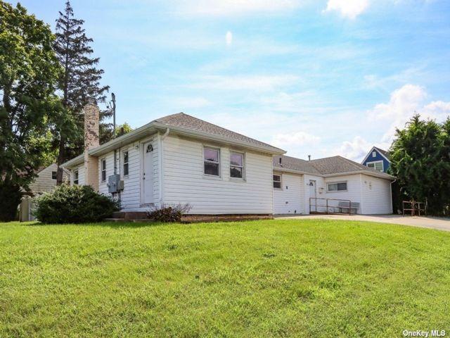 [Farmingdale Real Estate, listing number 3196008]