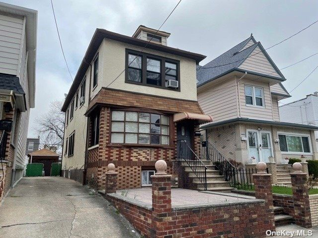 3 BR,  3.00 BTH Other style home in Flatlands