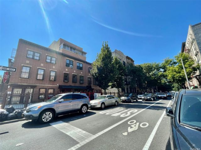 10 BR, 12.00 BTH Apartment style home in Williamsburg