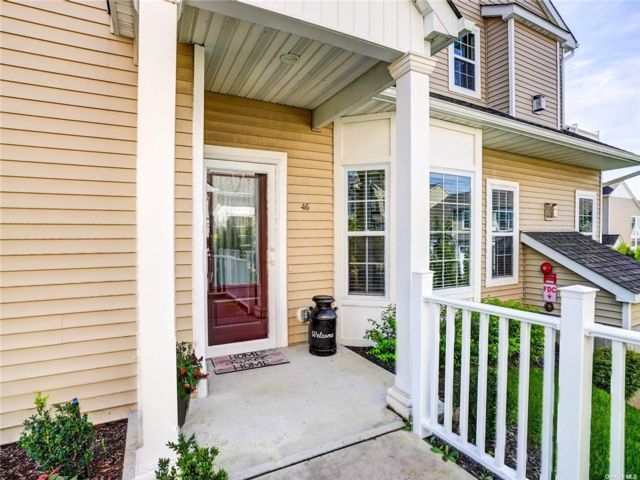 2 BR,  3.00 BTH Other style home in Blue Point