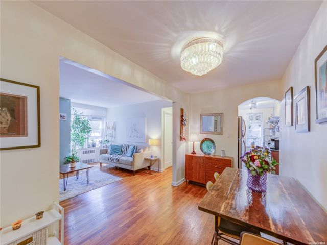 [Jackson Heights Real Estate, listing number 3196339]