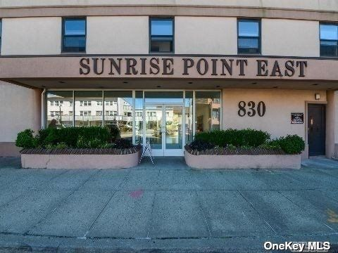 [Long Beach Real Estate, listing number 3196349]