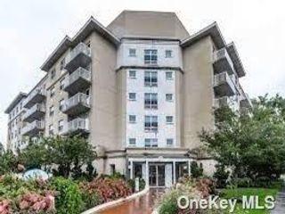 2 BR,  1.00 BTH Mid rise style home in Rockaway Beach
