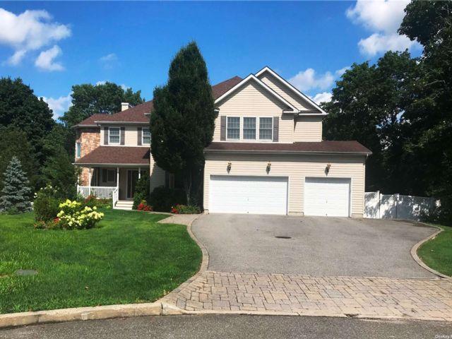 [Commack Real Estate, listing number 3196602]