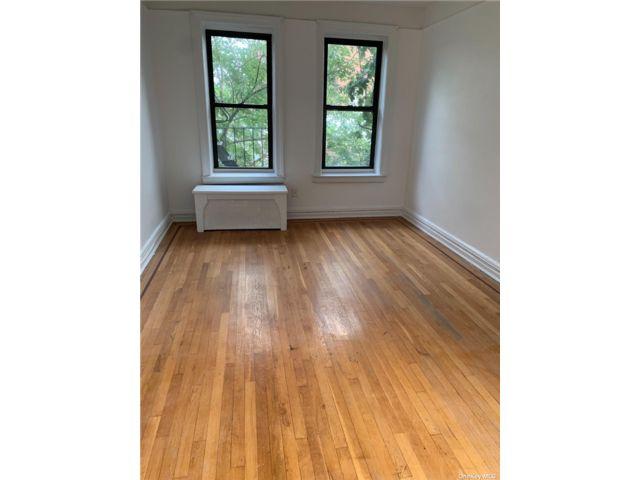 [Flushing Real Estate, listing number 3196641]
