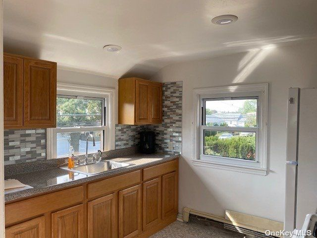 2 BR,  1.00 BTH Duplex style home in Bethpage