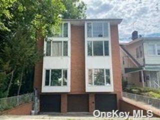 [Flushing Real Estate, listing number 3196747]