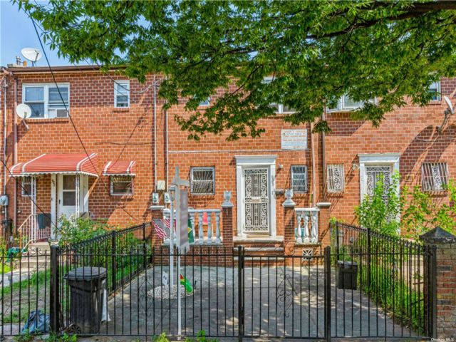 3 BR,  2.00 BTH Townhouse style home in Brownsville