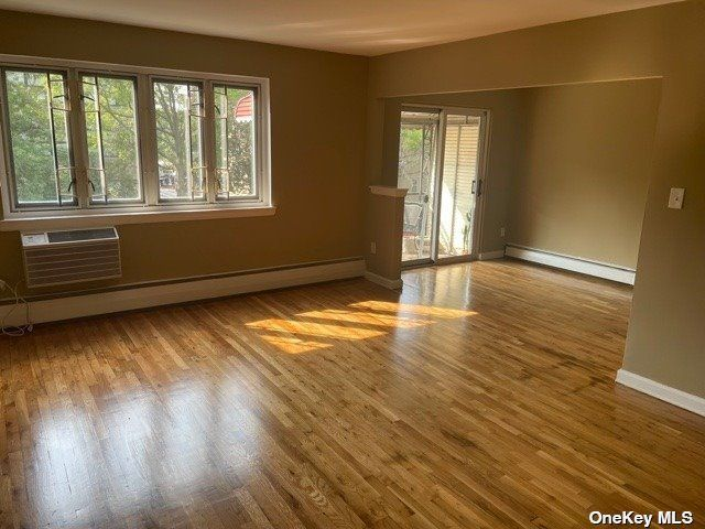 [Jackson Heights Real Estate, listing number 3196863]