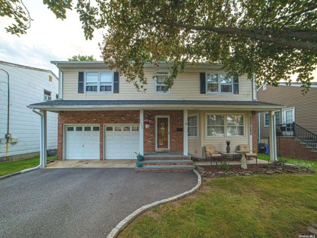 [Wantagh Real Estate, listing number 3196905]