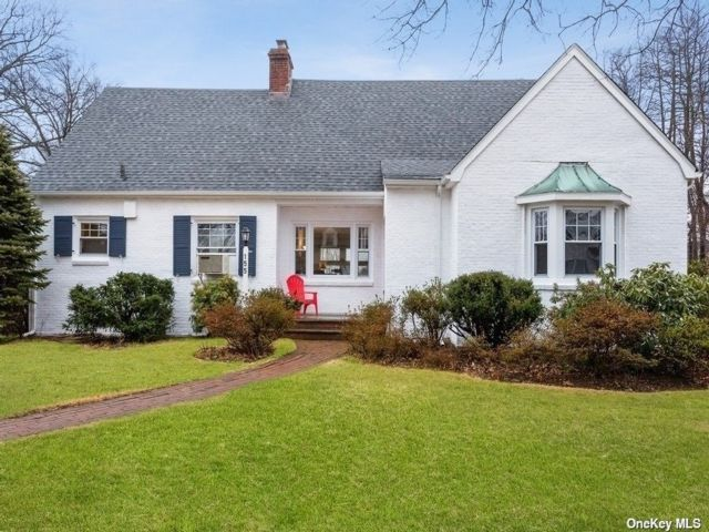 5 BR,  2.00 BTH Exp ranch style home in Floral Park