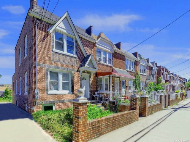 2 BR,  2.00 BTH 2 story style home in South Ozone Park