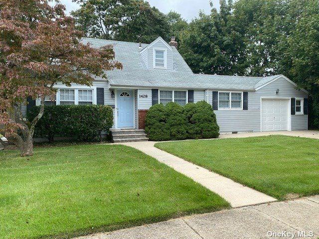[Merrick Real Estate, listing number 3197156]