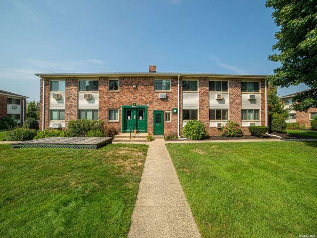 1 BR,  1.00 BTH Garden apartmen style home in Islip