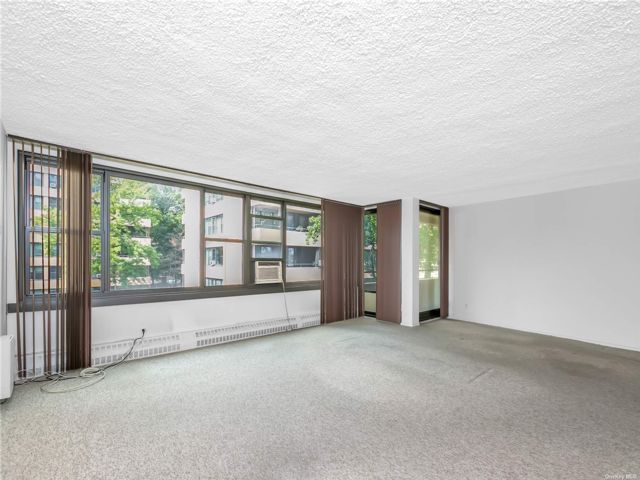 1 BR,  1.00 BTH Mid rise style home in Beechhurst
