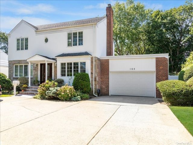[Merrick Real Estate, listing number 3197410]