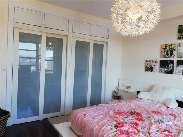 3 BR,  1.00 BTH Other style home in Rego Park