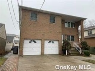 2 BR,  1.00 BTH Colonial style home in Mineola