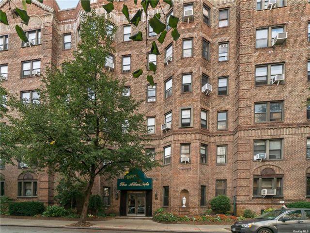 [Jackson Heights Real Estate, listing number 3197631]