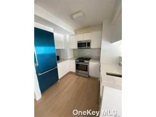 3 BR,  2.00 BTH High rise style home in Flushing