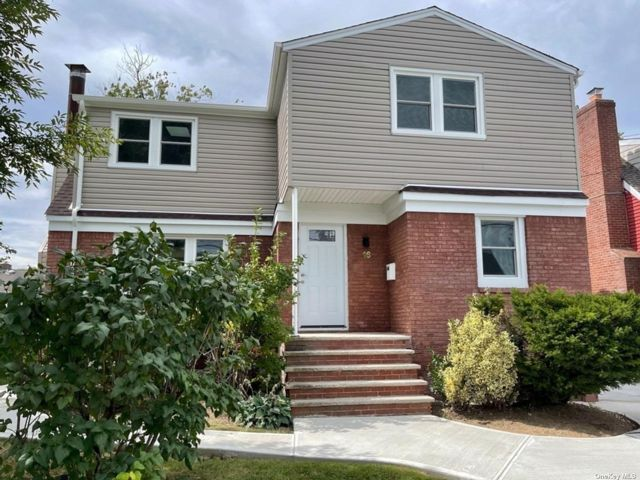 [Merrick Real Estate, listing number 3197640]