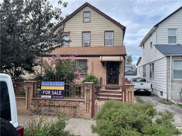 3 BR,  3.00 BTH Other style home in Queens Village