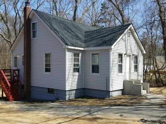 3 BR,  1.00 BTH Cape style home in Medford