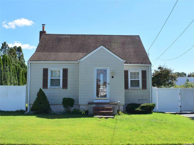 [Farmingdale Real Estate, listing number 3197872]