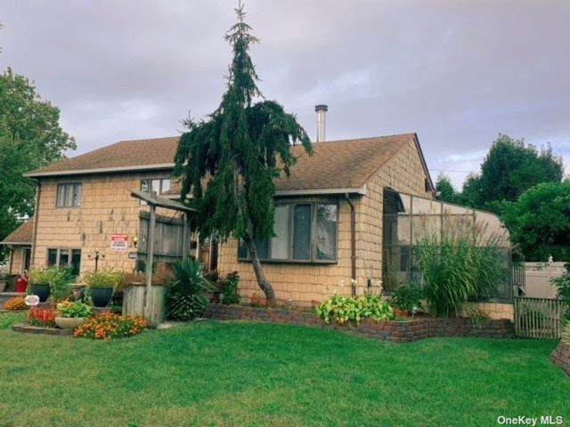 [Wantagh Real Estate, listing number 3197875]