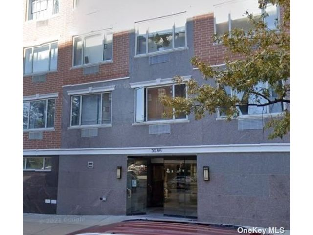 1 BR,  1.00 BTH Mid rise style home in Long Island City