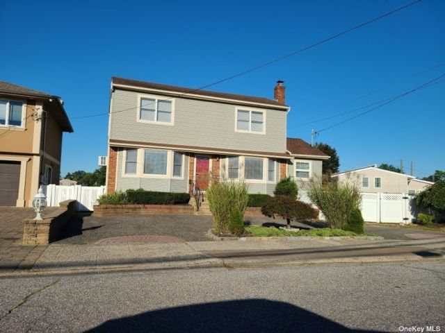2 BR,  2.00 BTH Colonial style home in Bellmore