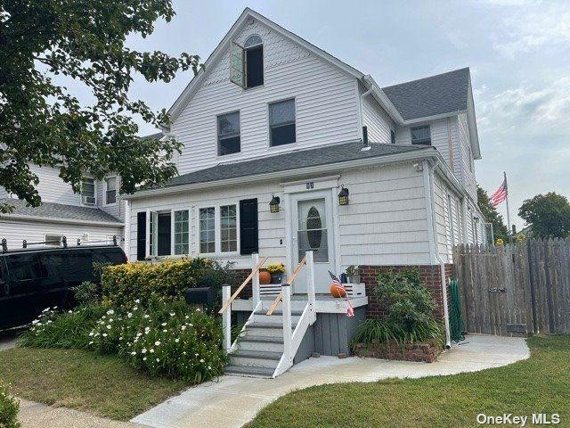 [Farmingdale Real Estate, listing number 3198147]
