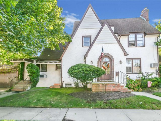[Valley Stream Real Estate, listing number 3198194]