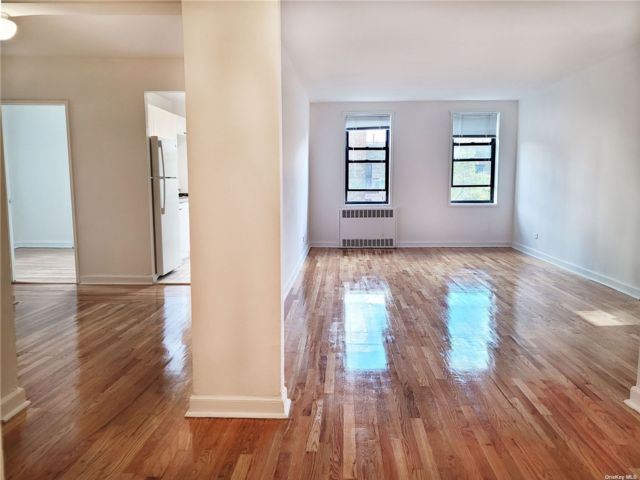 3 BR,  1.00 BTH Mid rise style home in Rego Park