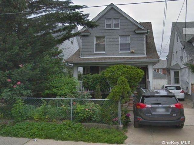 5 BR,  3.00 BTH Contemporary style home in Richmond Hill