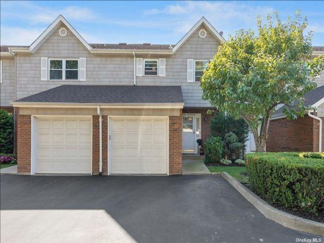 [Merrick Real Estate, listing number 3198363]