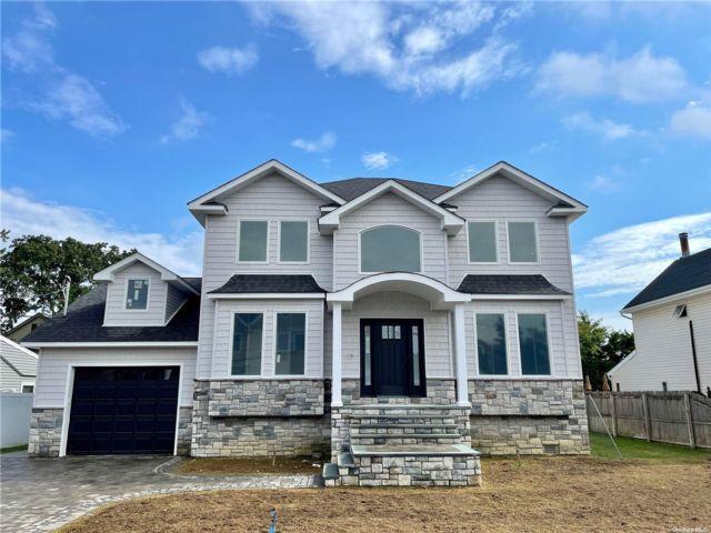 [Merrick Real Estate, listing number 3198425]