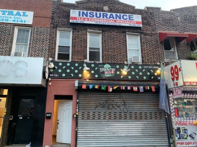 2 BR,  4.00 BTH Store+dwell style home in East Elmhurst
