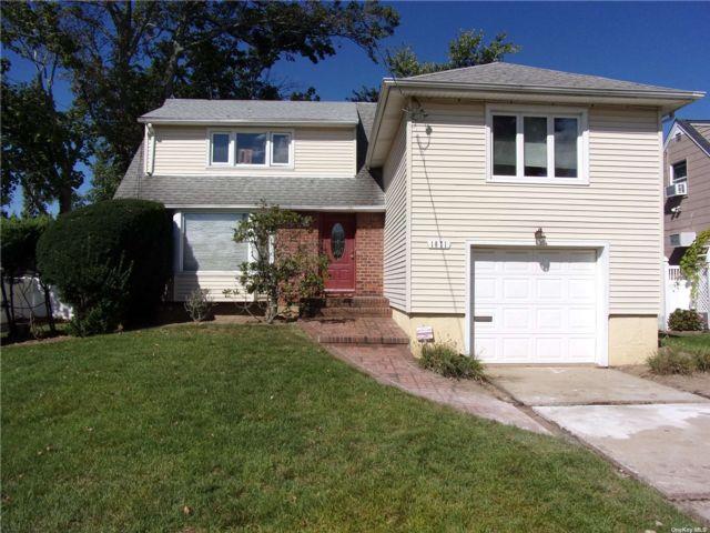[Merrick Real Estate, listing number 3198635]
