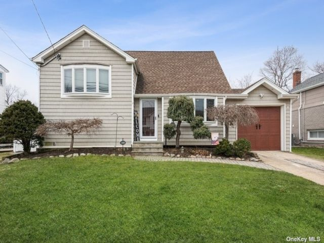 [Wantagh Real Estate, listing number 3198667]
