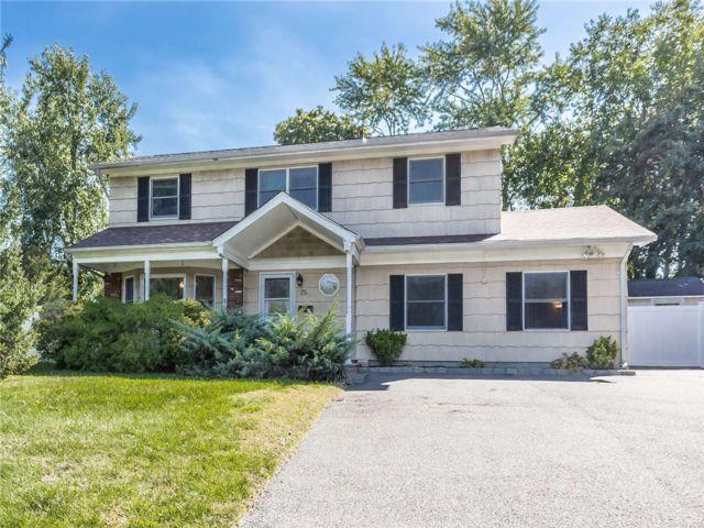 [Commack Real Estate, listing number 3198738]